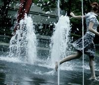 Skull_skirt_fountain_saturday