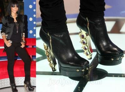 Rihanna_brass_knuckle_boots